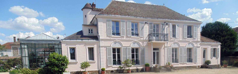 Maison d'hôte à Neauphle Le Château - 78640 Yvelines